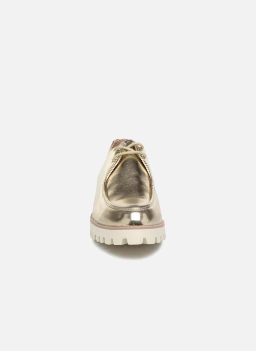 Scarpe con lacci Vanessa Wu RL1034 Oro e bronzo modello indossato