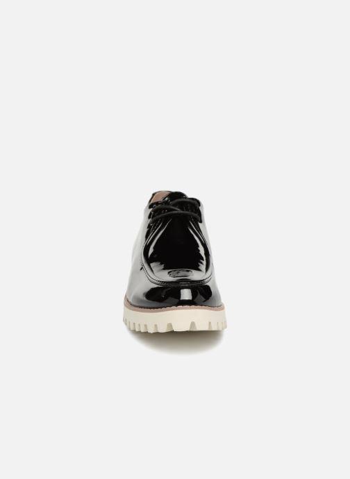 Scarpe con lacci Vanessa Wu RL1034 Nero modello indossato