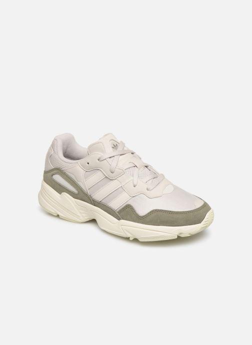 Baskets adidas originals Yung-96 Blanc vue détail/paire