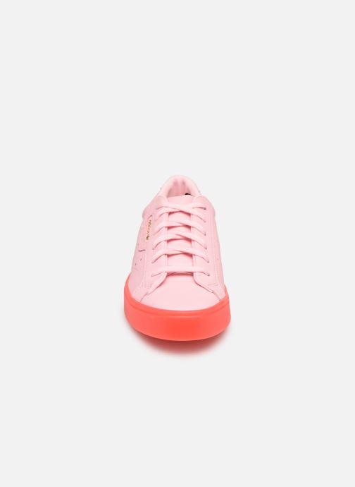 Sneakers adidas originals Adidas Sleek W Rosa modello indossato