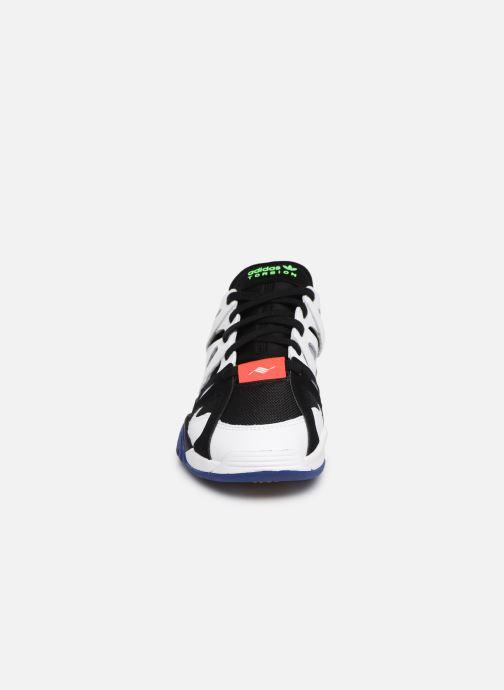 Sneaker Adidas Originals Dimension Lo weiß schuhe getragen