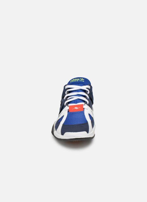 Deportivas adidas originals Dimension Lo Azul vista del modelo