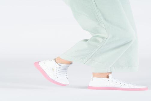 Sneaker adidas originals Adidas Sleek Mid W weiß ansicht von unten / tasche getragen
