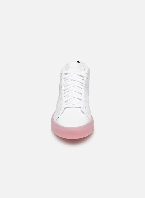Baskets adidas originals Adidas Sleek Mid W Blanc vue portées chaussures