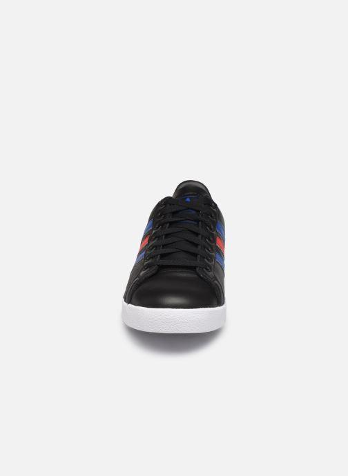 Sneakers adidas originals Coast Star Nero modello indossato