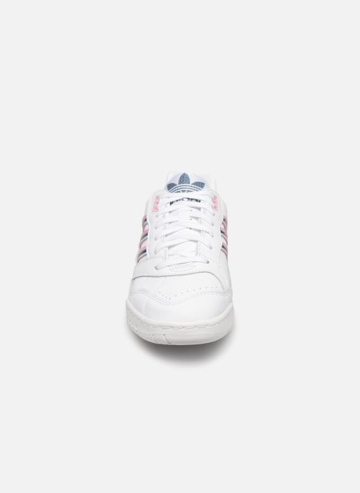 Sneakers adidas originals A.R. Trainer W Wit model