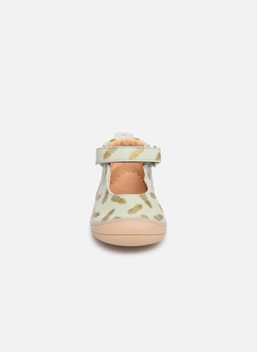 Chaussons Babybotte Ziara Vert vue portées chaussures