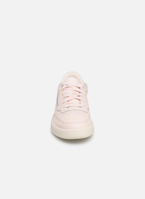 Sneakers Reebok Club C 85 Rosa modello indossato
