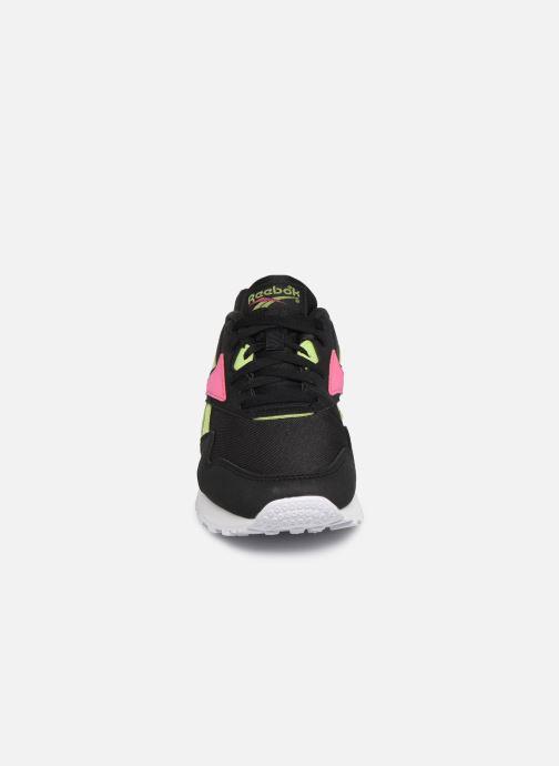 Sneakers Reebok Rapide Syn Nero modello indossato