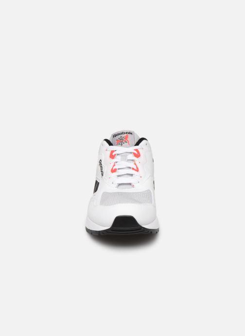 Sneaker Reebok Bolton Essential Mu weiß schuhe getragen