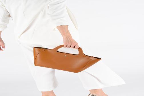 Handväskor Craie PARABOLE Orange bild från under