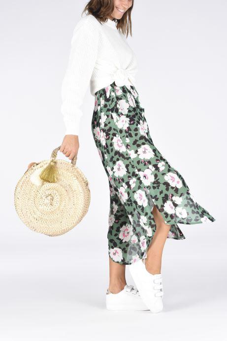 Handbags Etincelles Panier rond bandoulière et anses Pompons Beige view from underneath / model view