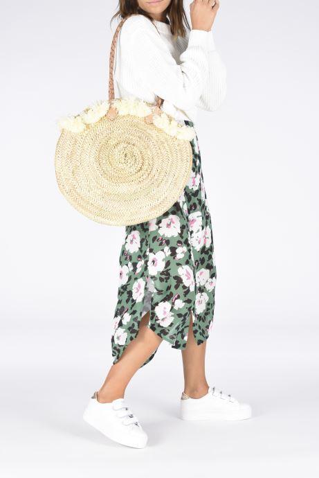 Handtaschen Etincelles Panier pompoms double anses beige ansicht von unten / tasche getragen