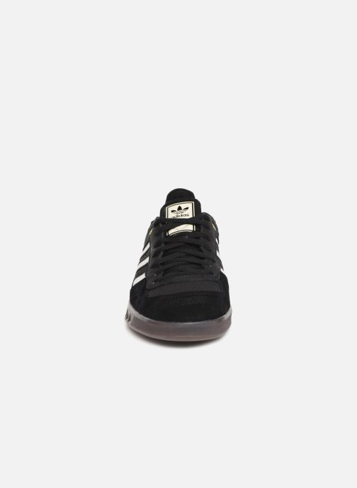Baskets adidas originals Handball Top Noir vue portées chaussures