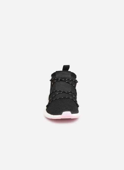 Sneakers adidas originals Arkyn Knit W Nero modello indossato