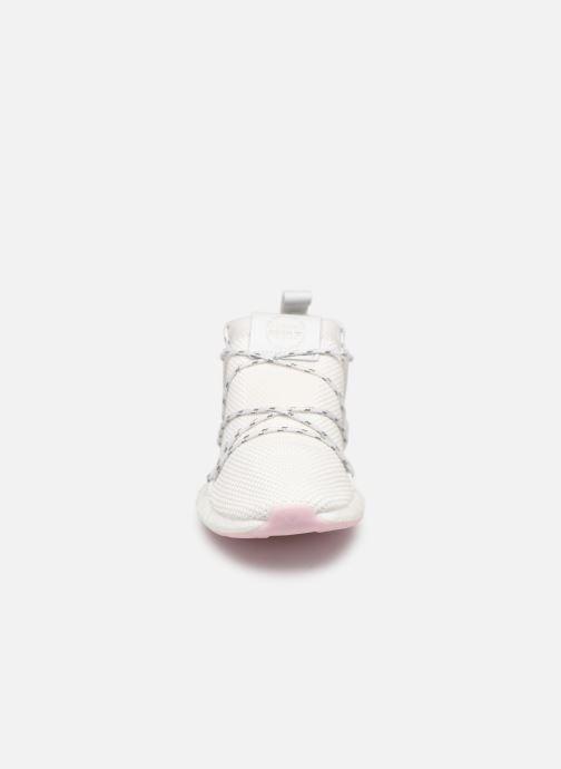 Baskets adidas originals Arkyn Knit W Blanc vue portées chaussures