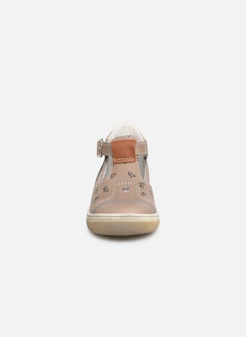 Sandales et nu-pieds Bopy Rucati Beige vue portées chaussures