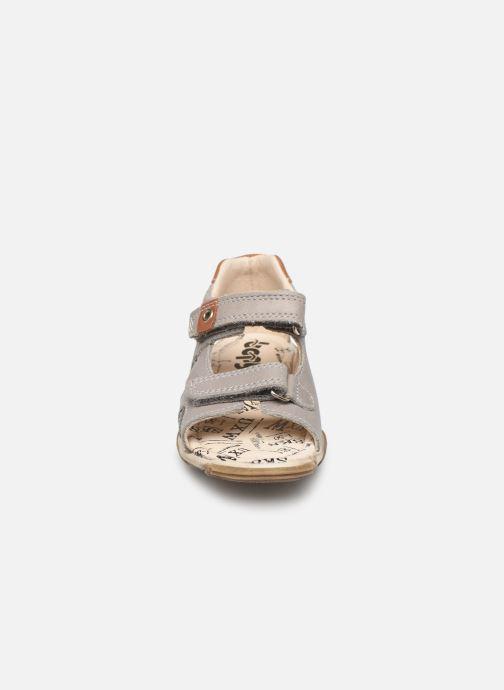 Sandales et nu-pieds Bopy Bedec Gris vue portées chaussures
