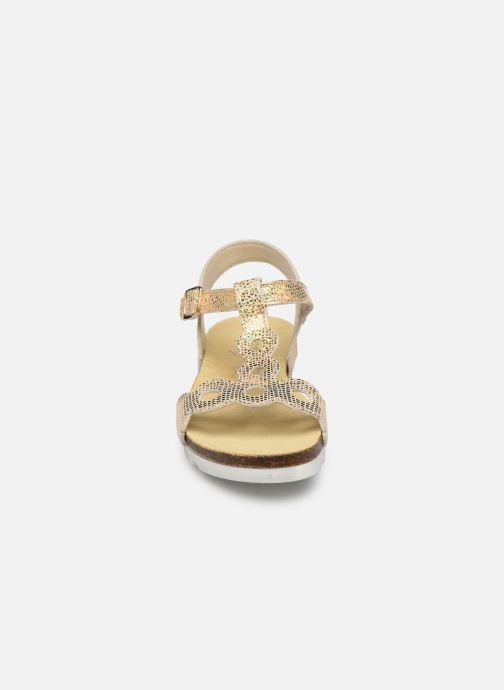 Sandalias Bopy Endy Oro y bronce vista del modelo