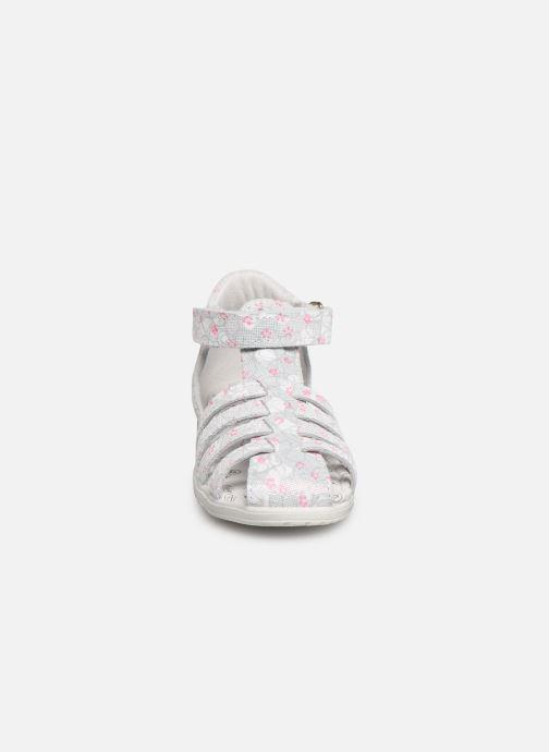 Sandales et nu-pieds Bopy Rifluo Blanc vue portées chaussures
