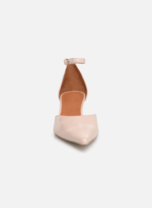 Zapatos de tacón Georgia Rose Tehila Beige vista del modelo