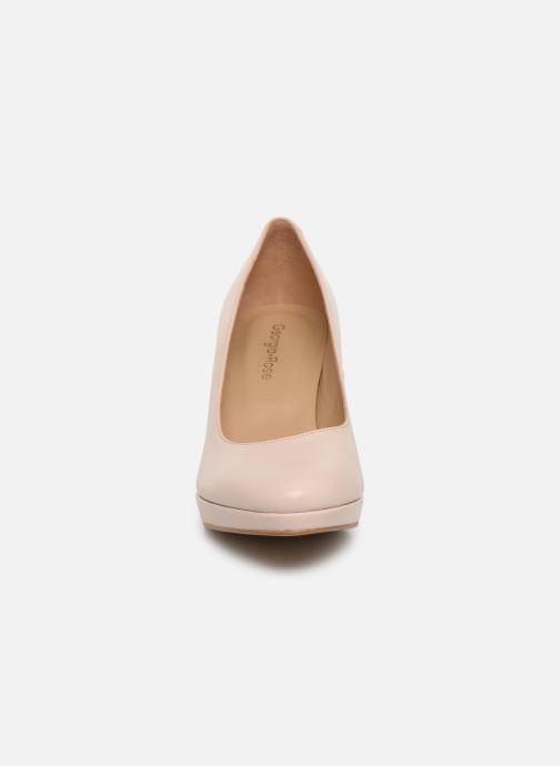Zapatos de tacón Georgia Rose Tavaria Beige vista del modelo