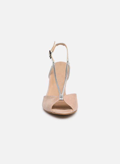 Sandales et nu-pieds Georgia Rose Tasulta Beige vue portées chaussures