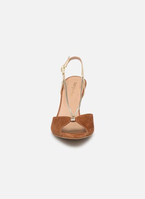 Sandales et nu-pieds Georgia Rose Tasulta Marron vue portées chaussures