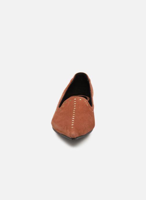 Mocassini Shoe the bear ZOLA LOAFER Marrone modello indossato