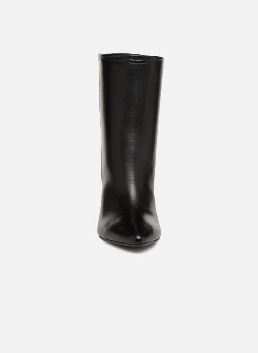 Stivaletti e tronchetti Essentiel Antwerp Sluik boots Nero modello indossato