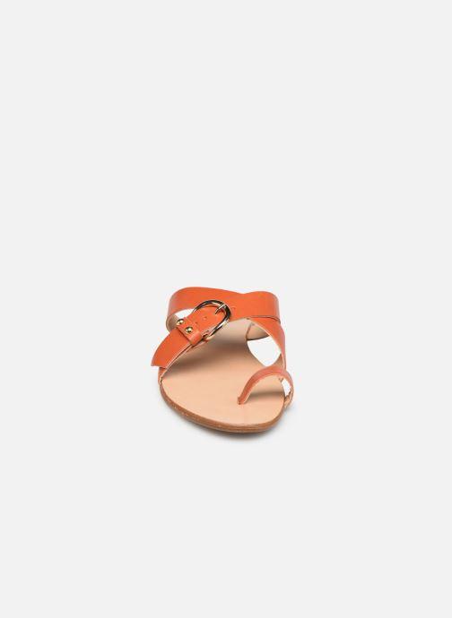 Zuecos Essentiel Antwerp Soquite sandals Naranja vista del modelo