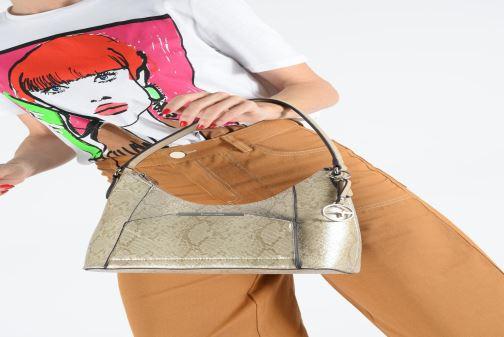 Handbags Tamaris Mirella Hobo Bag S Bronze and Gold view from underneath / model view