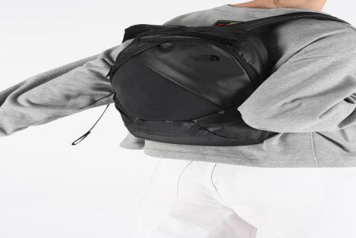 Rucksäcke The North Face W ELECTRA schwarz ansicht von unten / tasche getragen