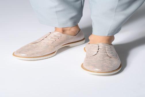 Chaussures à lacets Tamaris Dora Rose vue bas / vue portée sac
