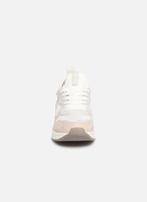 Baskets Tamaris Gerda Beige vue portées chaussures