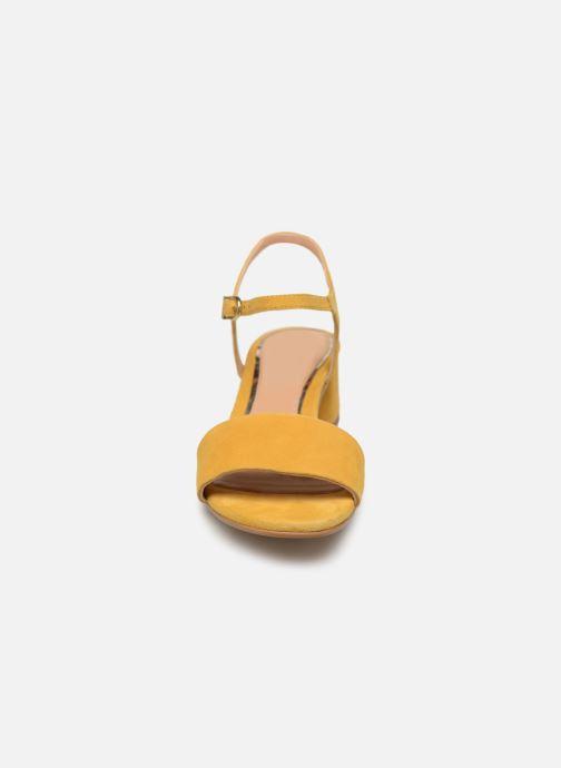 Sandales et nu-pieds Gioseppo 49044 Jaune vue portées chaussures