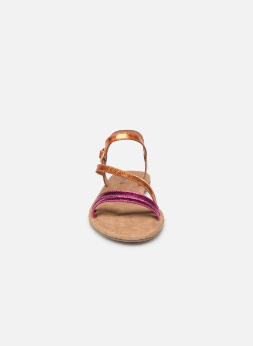 Sandali e scarpe aperte Tamaris Monika Rosa modello indossato