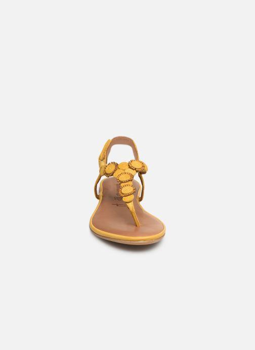 Sandales et nu-pieds Tamaris Simone Jaune vue portées chaussures
