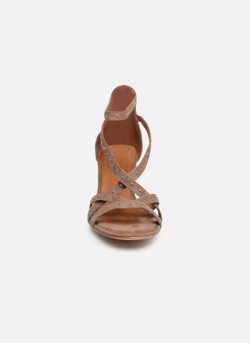 Sandales et nu-pieds Tamaris Abigail Marron vue portées chaussures