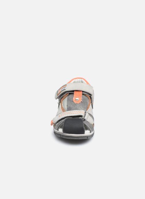 Sandales et nu-pieds NA! Abaco Gris vue portées chaussures