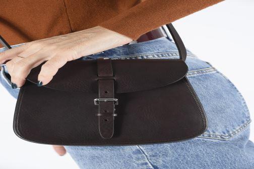 Handtaschen Herbert Frère Soeur SAB braun ansicht von unten / tasche getragen