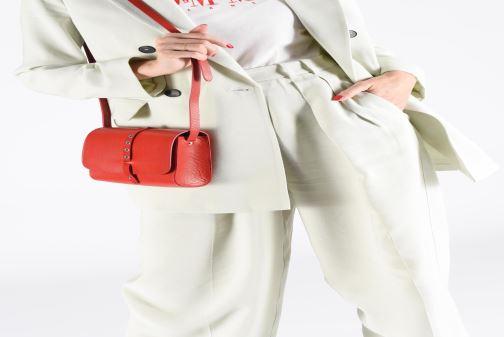 Handtaschen Herbert Frère Soeur MINI LINE blau ansicht von unten / tasche getragen