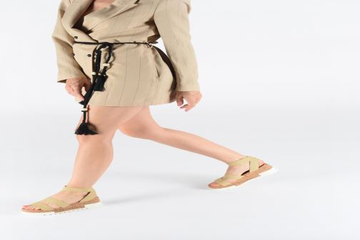 Sandales et nu-pieds Steve Madden BANDI Beige vue bas / vue portée sac