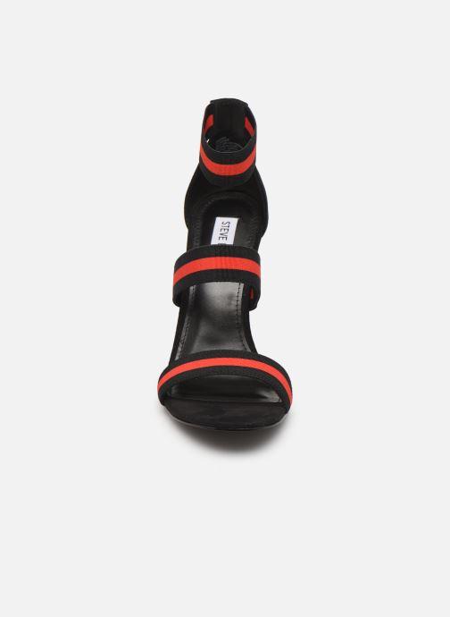 Sandales et nu-pieds Steve Madden CARINA Noir vue portées chaussures