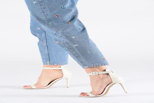 Sandales et nu-pieds Steve Madden MARLEY Blanc vue bas / vue portée sac