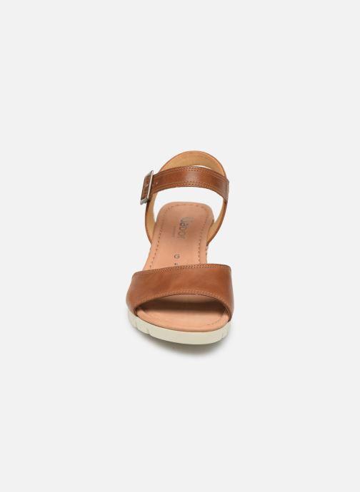 Sandales et nu-pieds Gabor Danaé Marron vue portées chaussures