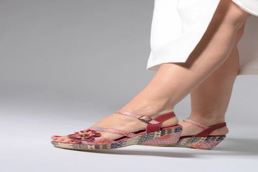 Sandales et nu-pieds Laura Vita Becauteo 119 Rose vue bas / vue portée sac