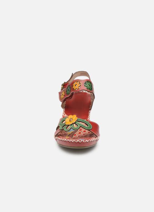 Sandali e scarpe aperte Laura Vita BEIGNET 33 Rosso modello indossato