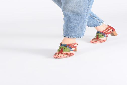 Sandales et nu-pieds Laura Vita FANNY 03 Rouge vue bas / vue portée sac