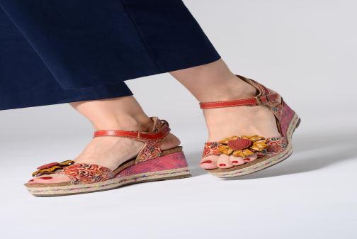Sandales et nu-pieds Laura Vita FAY 06 Rouge vue bas / vue portée sac
